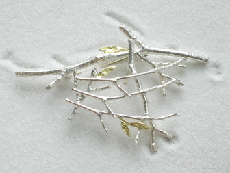 Holly Belsher MA (RCA) - Silver Hedge Brooch with 18ct gold leaves
